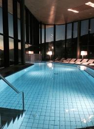 hotel-pool-cut
